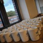Personalisierte Tassen für die Mitarbeiter | TIS GmbH